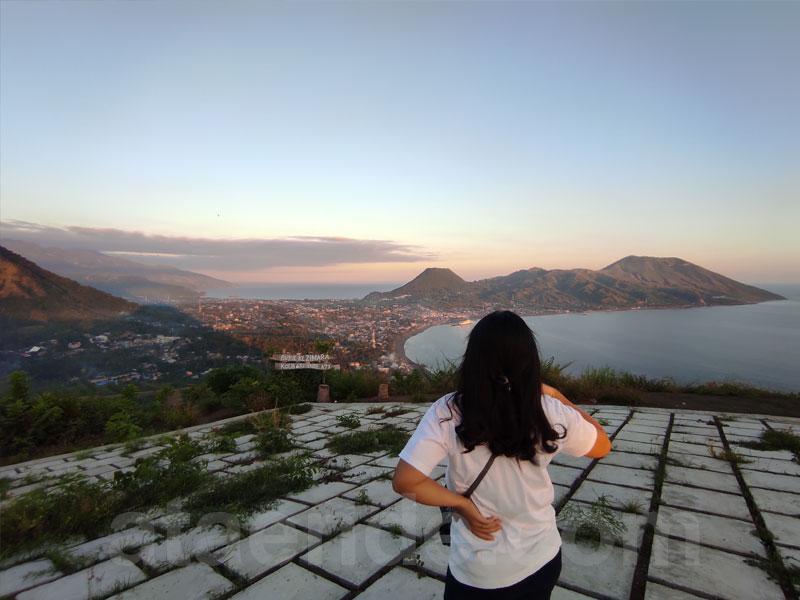 View kota ende dari puncak bukit kezimara