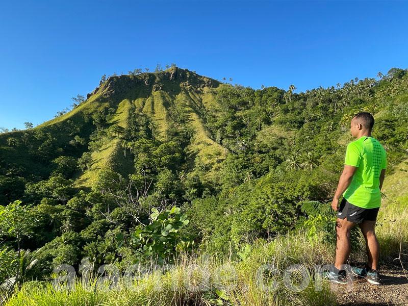 Menatap puncak Bukit Roja