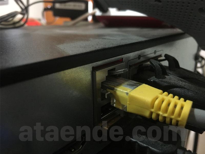 Port LAN DVR Hikvision